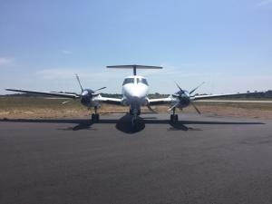 King Air Twin Engine Turboprop front view - Gallery
